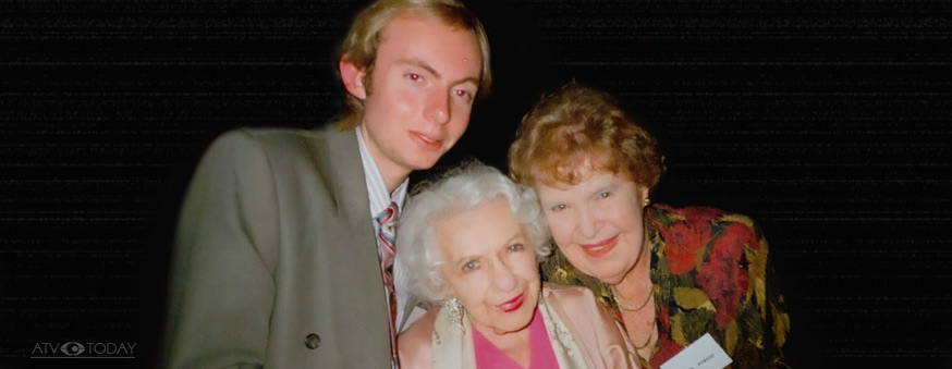 arren Gray with Colleen Clifford and the late authoress Gwennie Powers (far right).