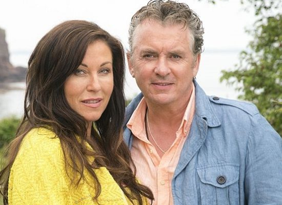 First official picture released of Shane Richie and Jessie Wallace in Redwater