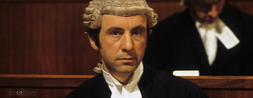 andrew-sachs-in-crown-court