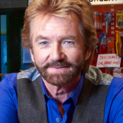 Noel Edmonds opens his store for the final time