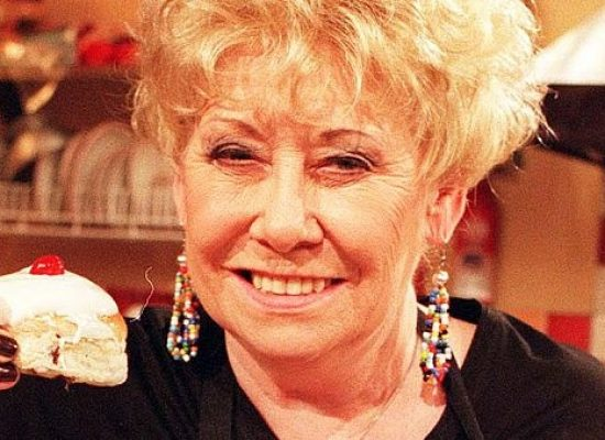Coronation Street cast members pay tribute to Liz Dawn
