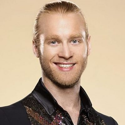 Jonnie Peacock eliminated from Strictly Come Dancing