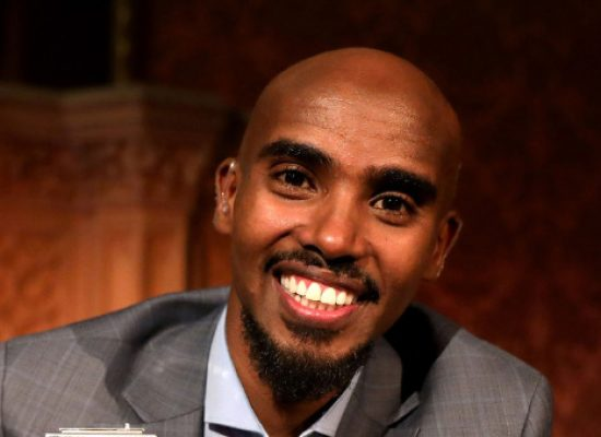 Mo Farah wins BBC Sports Personality of the Year 2017