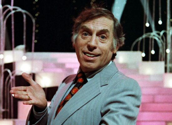 Best on the Box: Larry Grayson – Shut That Door!