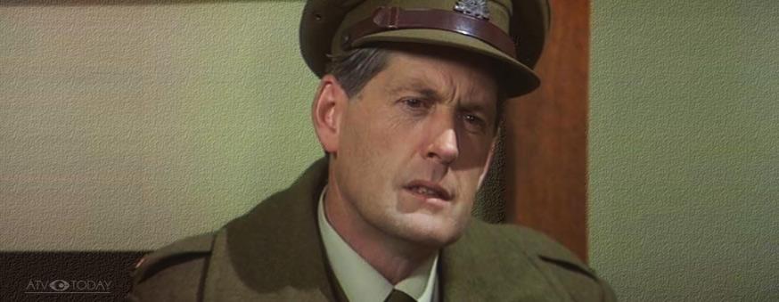 Paul Cronin as Dave Sullivan in the Sullivans