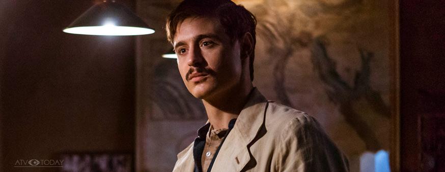 TUTANKHAMUN Pictured: MAX IRONS as Carter.