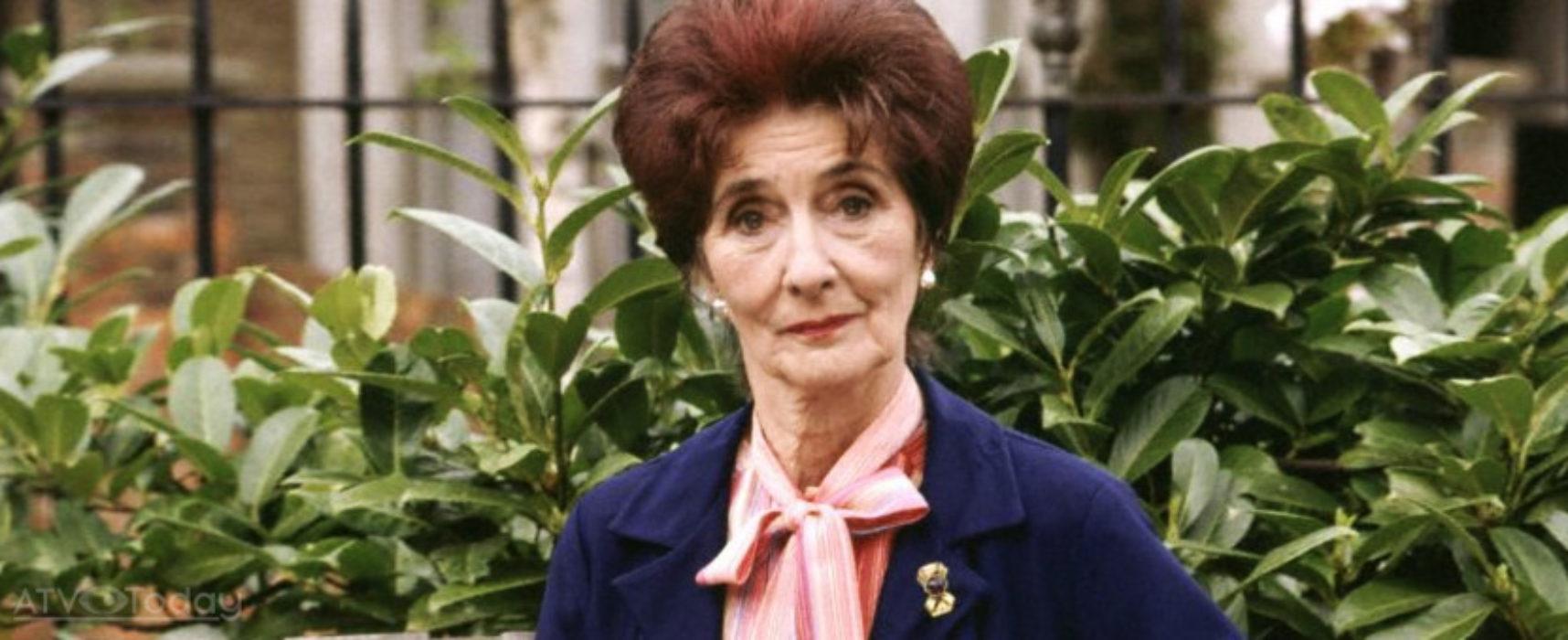 June Brown quits EastEnders