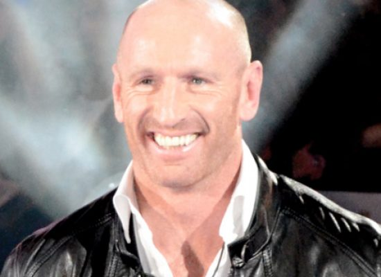Gareth Thomas challenged homophobic abusers to meet him for TV documentary