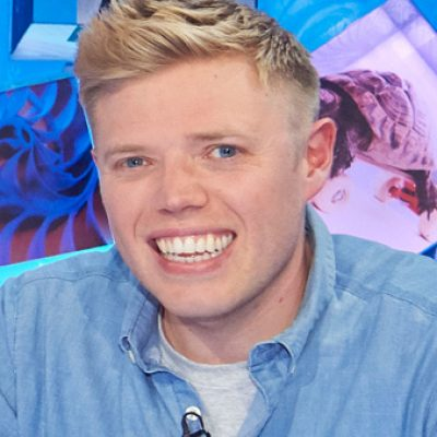Rob Beckett joins Jamie Oliver and Jimmy Doherty for a food feast