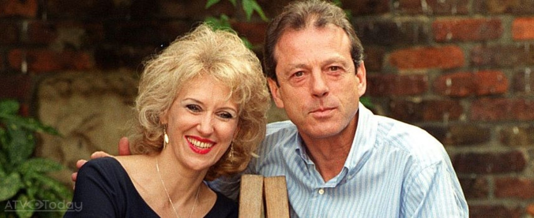 Anita Dobson pays tribute to Leslie Grantham