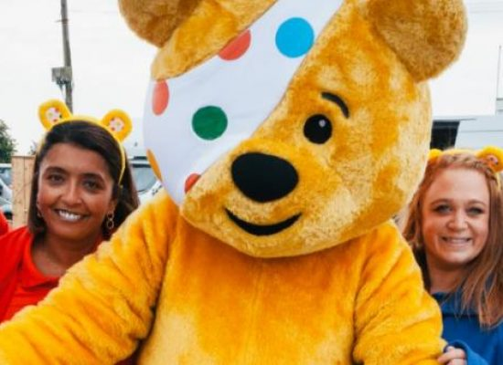 Casualty stars go bargain hunting for Children in Need