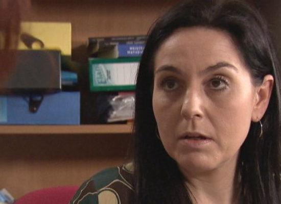 Pobol y Cwm: Ffion reveals to Gaynor that she's pregnant
